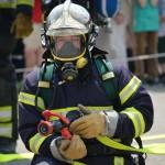Feuerwehrmann im Einsatz - gut abgesichert über freie Heilfürsorge