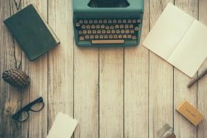 Voraussetzung PKV Publizisten und Künstler - Schreibtisch eines Journalisten
